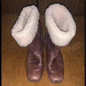 Womens Uggs sheepskin boots size 9